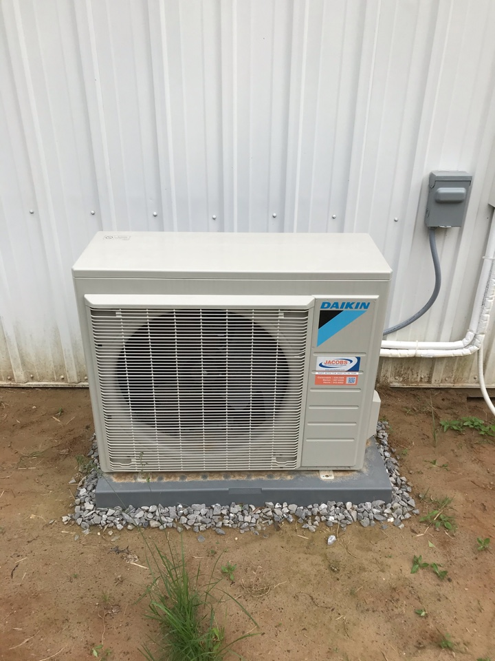 Makanda, IL - Spring maintenance on two Trane air conditioners and one Daikin ductless unit