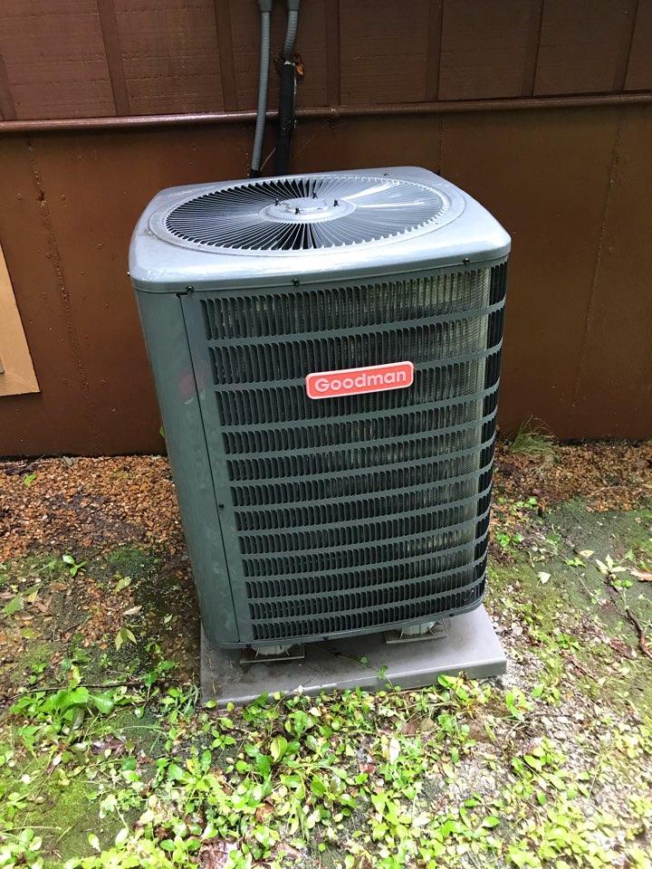 Goreville, IL - Spring maintenance on Goodman heat pump