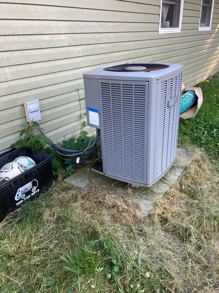 Makanda, IL - A/C service - Armstrong heat pump
