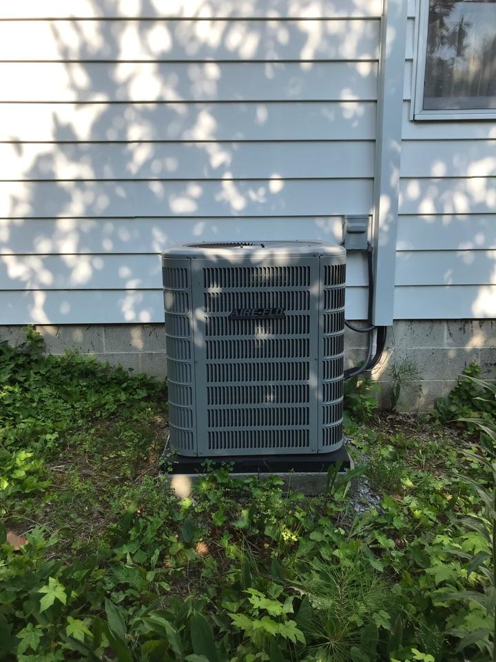 Carbondale, IL - Spring maintenance on Aire-Flo heat pump