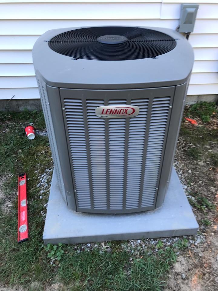 Carbondale, IL - Spring maintenance on Lennox heat pump