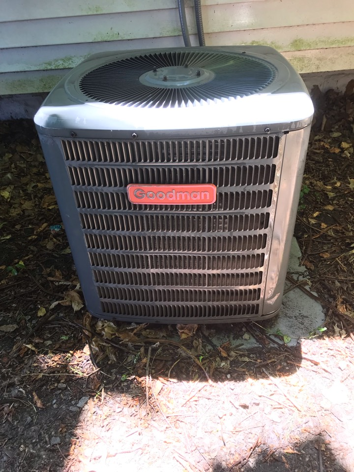 Carbondale, IL - Spring maintenance on Goodman heat pump