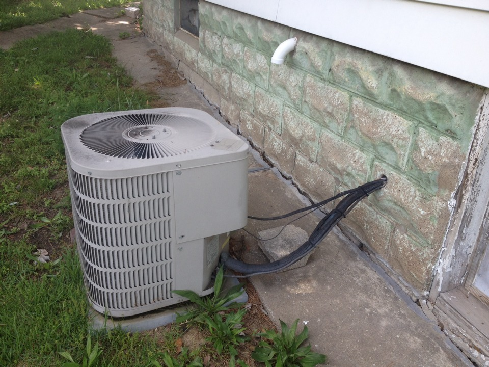 Johnston City, IL - Quoting a replacement A/C