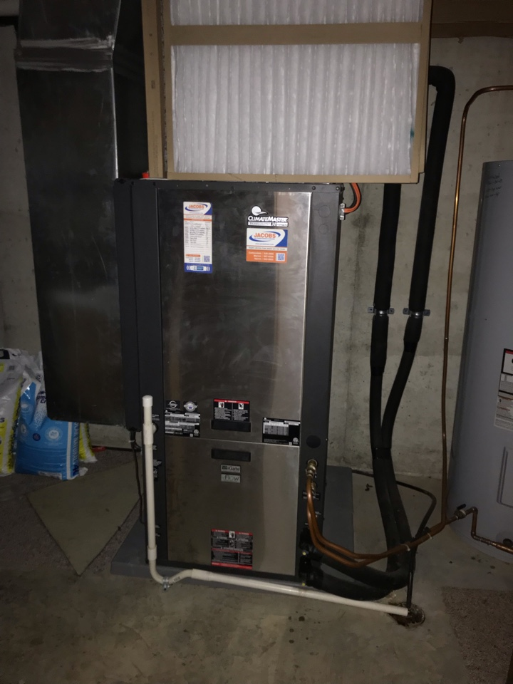 Marion, IL - Spring maintenance on ClimateMaster geothermal system