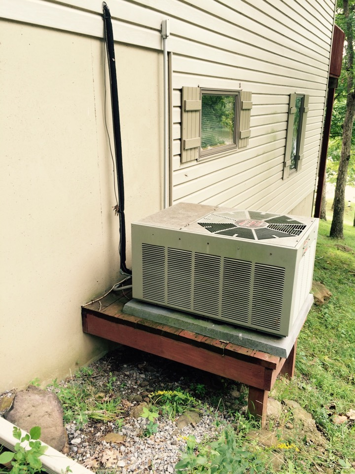 Creal Springs, IL - Quoting a replacement AC @ Lake of Egypt
