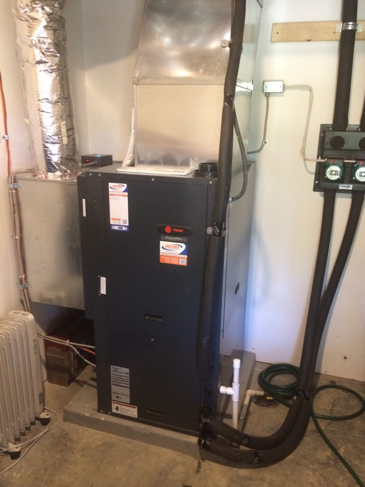Du Quoin, IL - Trane Geothermal Heat Pump Maintenance