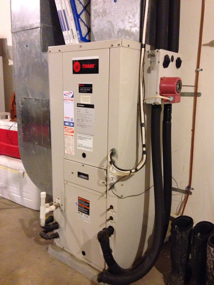 Cobden, IL - Cooling maintenance AC tune up and cleaning. Trane geothermal