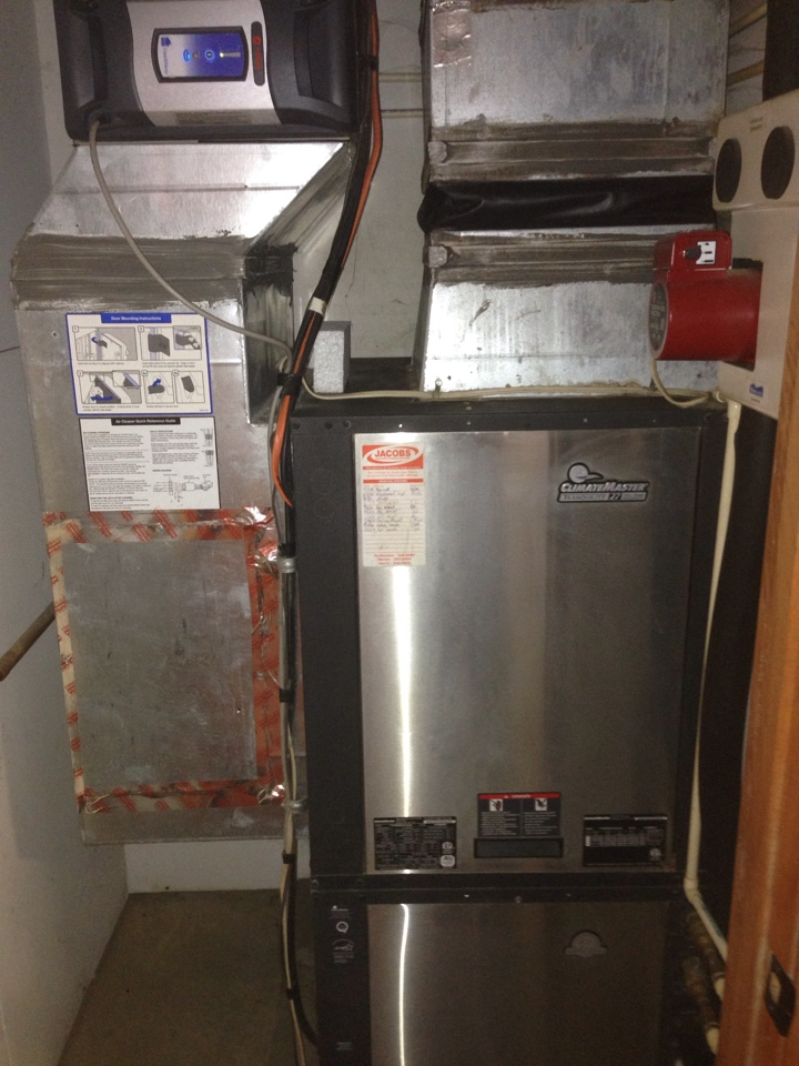 Goreville, IL - Fall maintenance heating tune up and furnace cleaning. Climate master geothermal unit with Trane clean effects electric air purifier