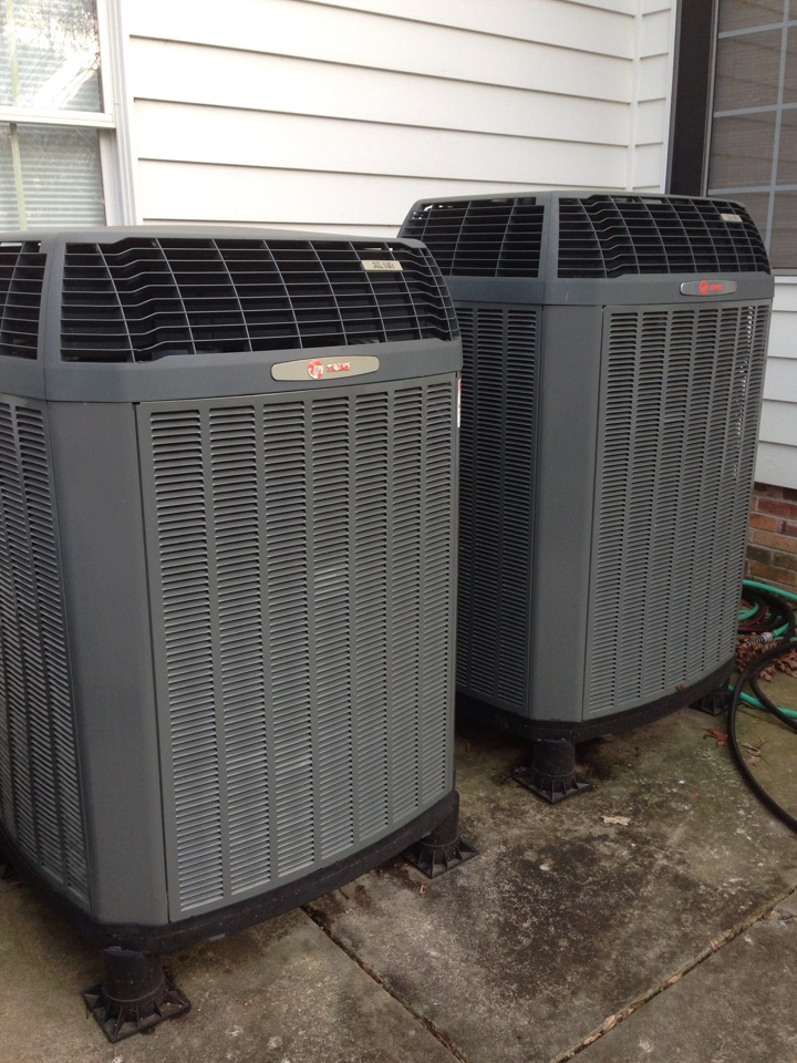 Cobden, IL - Fall maintenance heating tune up and furnace cleaning. Trane heat pump systems with clean effects electric filters
