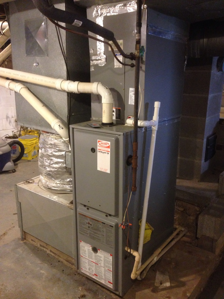Cobden, IL - Fall maintenance heating tune up and furnace cleaning. Heil furnace
