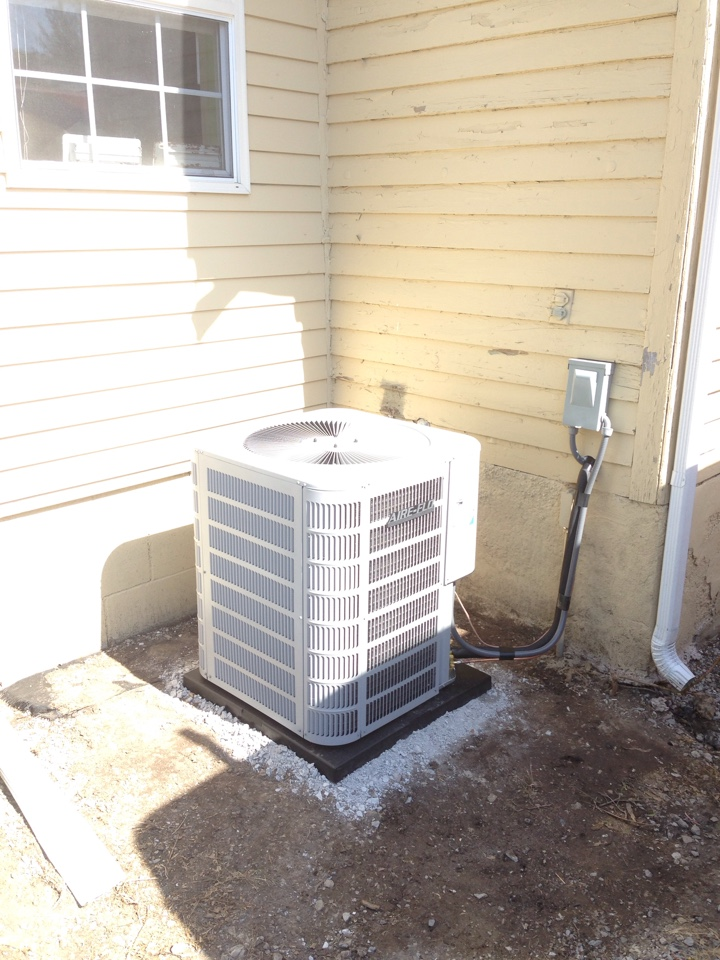 Carterville, IL - Installed new Aire-Flo heat pump system with air handler.