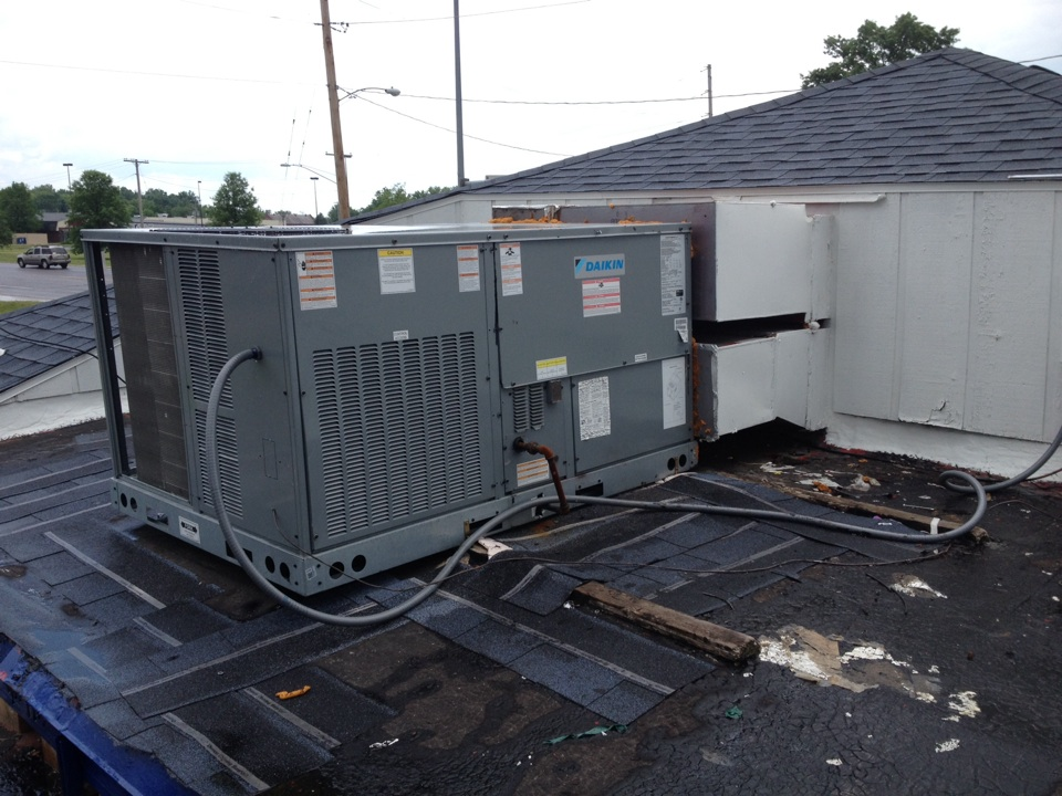 Du Quoin, IL - Daikin Rooftop unit AC repair