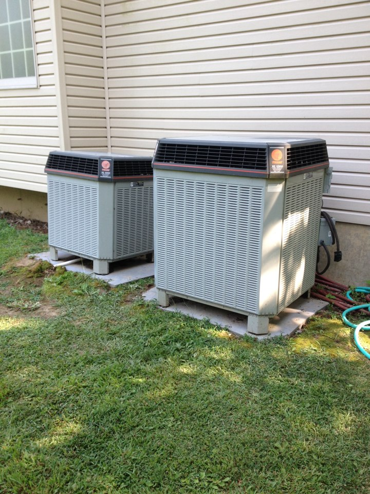Elkville, IL - AC tune up - spring maintenance