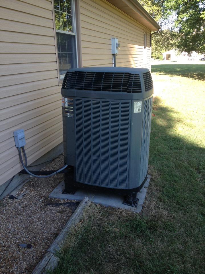 Du Quoin, IL - AC Service - Trane Heat Pump