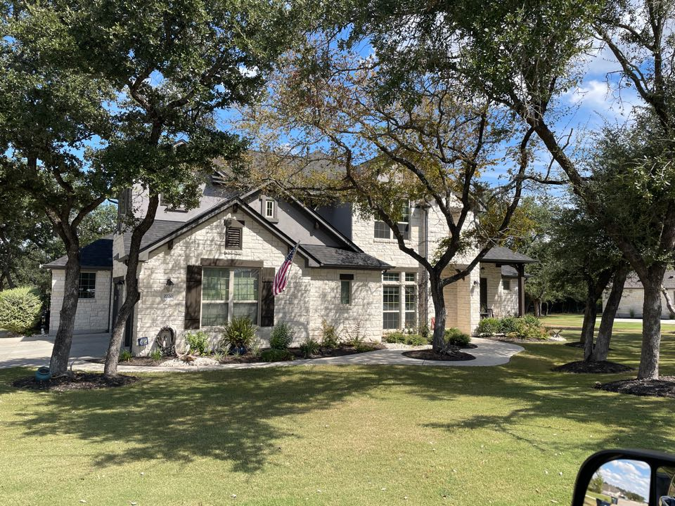 Leander, TX - Replaced Roof with IKO Dynasty ( Glacier)