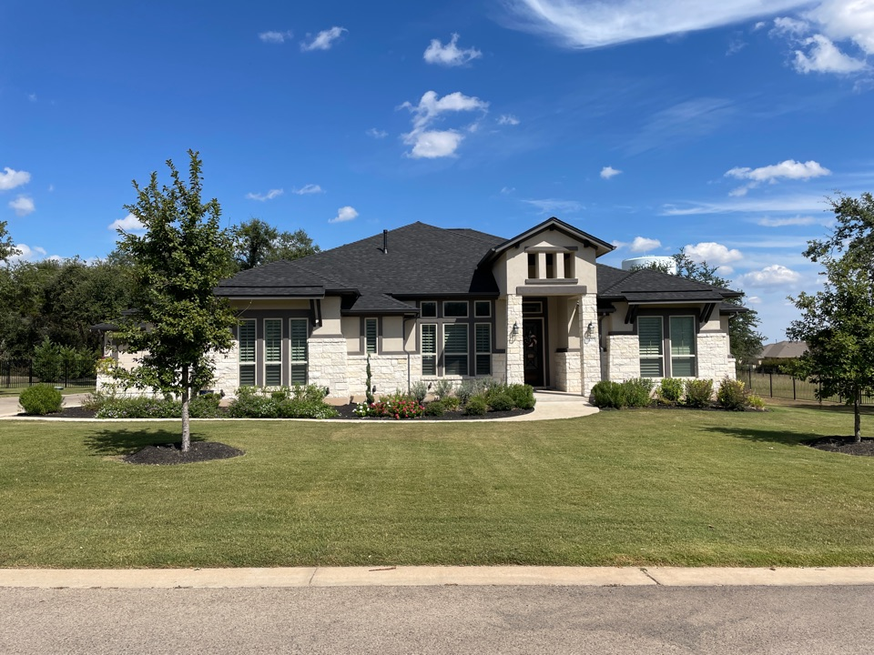 Leander, TX - Replaced Roof with IKO Dynasty ( Granite Black)