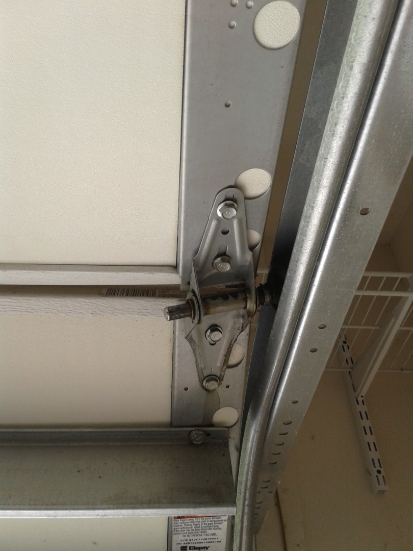 Indian Land, SC - Hinge and roller replacement