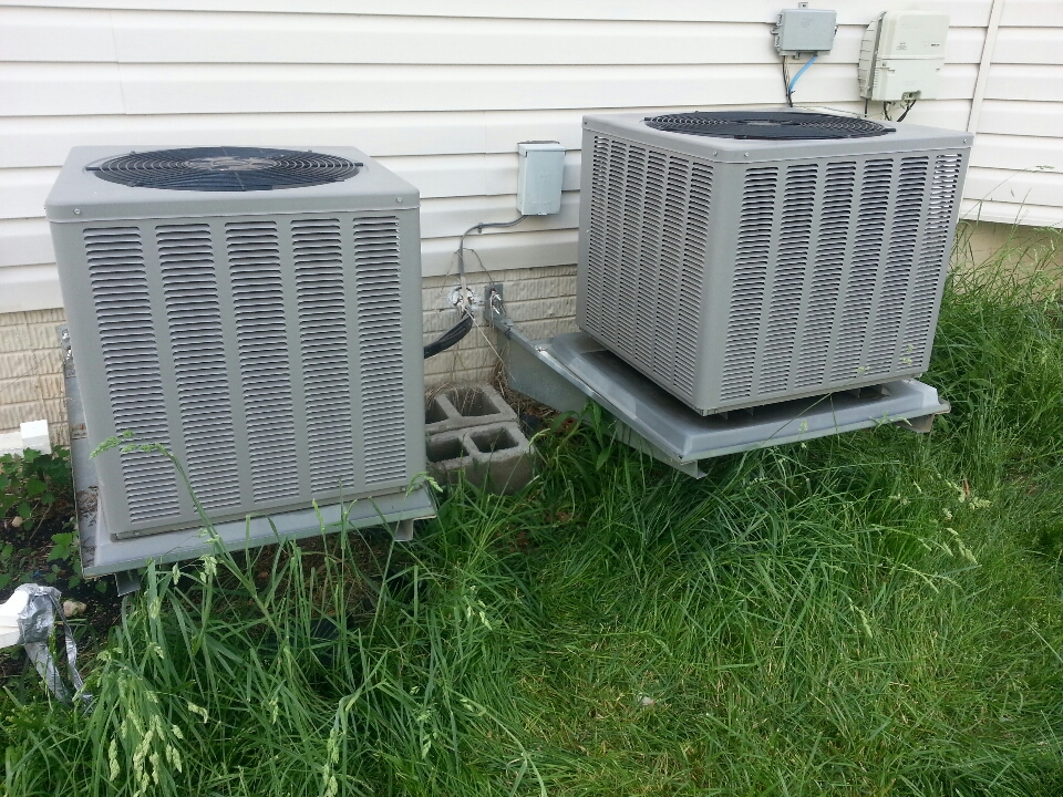 Nottingham, MD - Air conditioning service call. Needed to replace capacitor on Rheem AC.