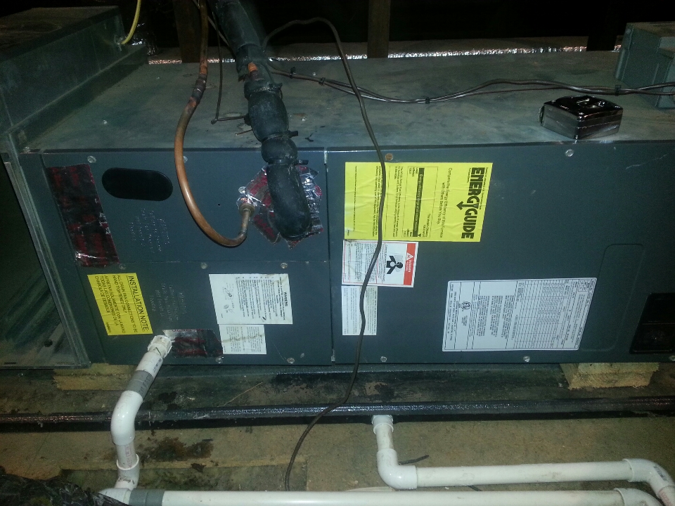 Essex, MD - Air conditioning maintenance call on Goodman air handler in attic. Needed to remove the evaporator coil and chemically clean.