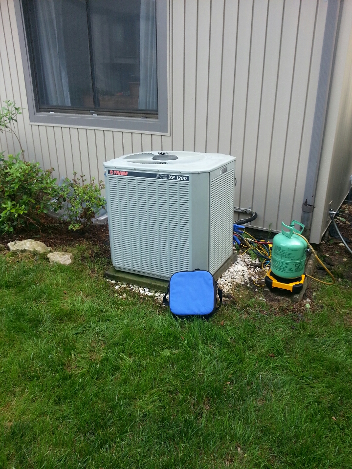 Parkville, MD - ac maintenance. Add freon to air conditioner.