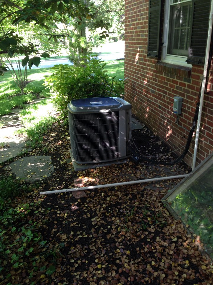 Baltimore, MD - Routine maintenance on carrier air conditioner system