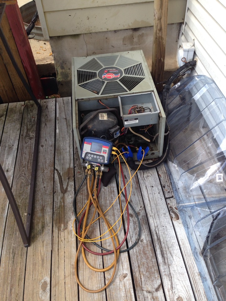 Rosedale, MD - AC repair made by adding R-22 refrigerant to old Rheem hvac system.