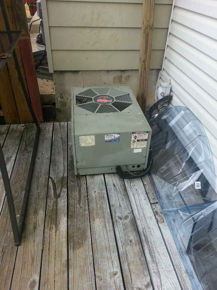 Rosedale, MD - Air conditioning repair on a Rheem HVAC system. Unit needed R-22 refrigerant.