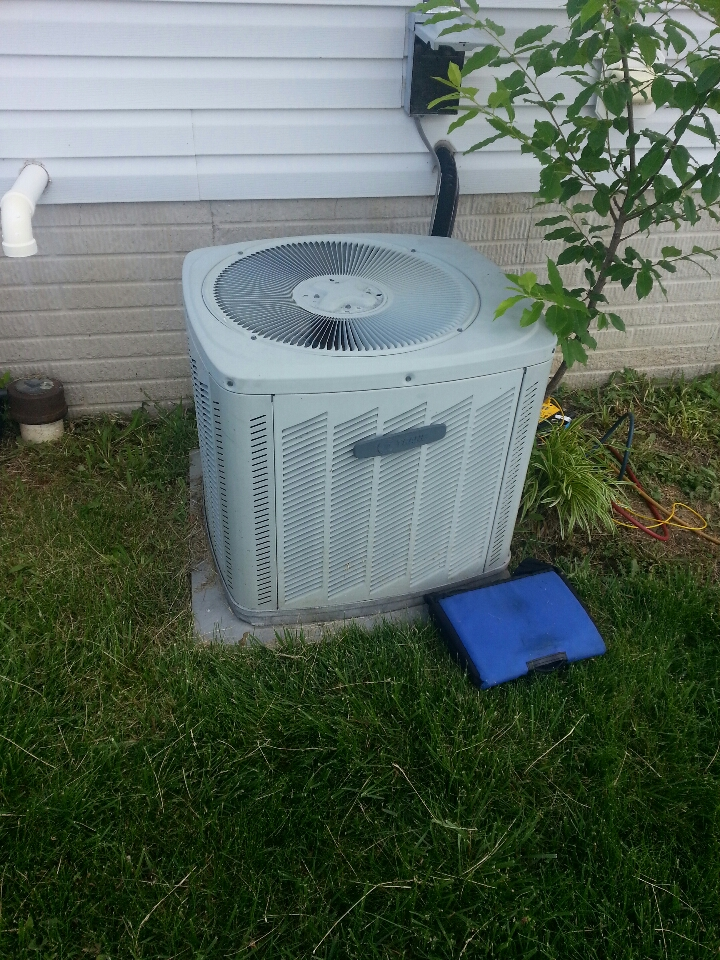 Essex, MD - ac service call. Found Freon leak in air conditioner.