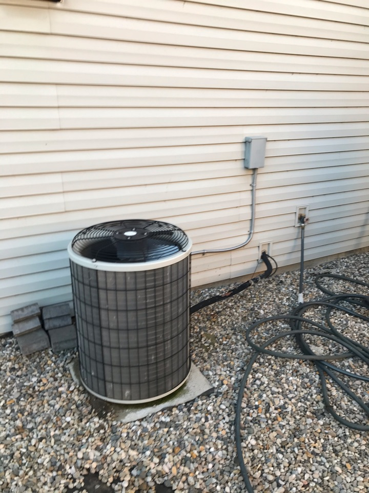 Estimate to replace existing Carrier HVAC system with new Amana furnace and air conditioner
