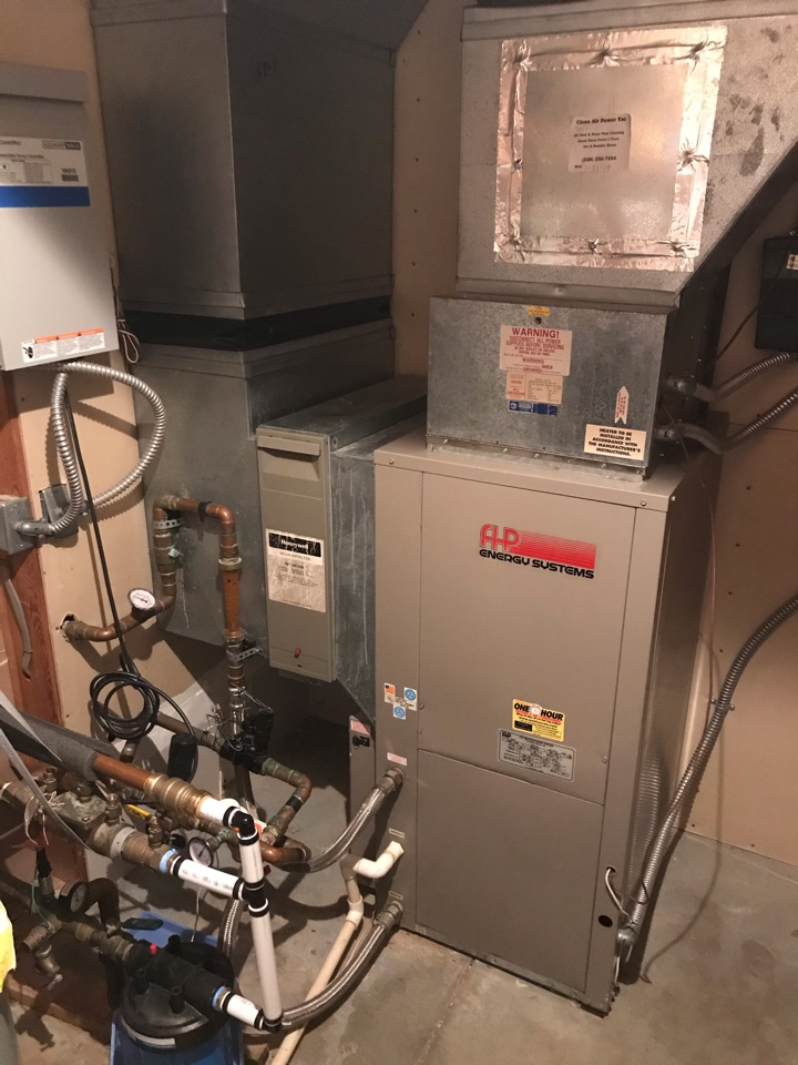 Estimate to replace a water source heat pump with an Amana Heat Pump system