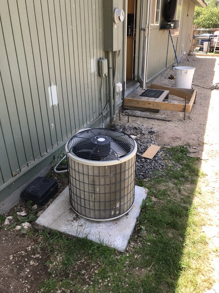 Estimate to replace existing carrier HVAC system with new Amana furnace and heat pump system