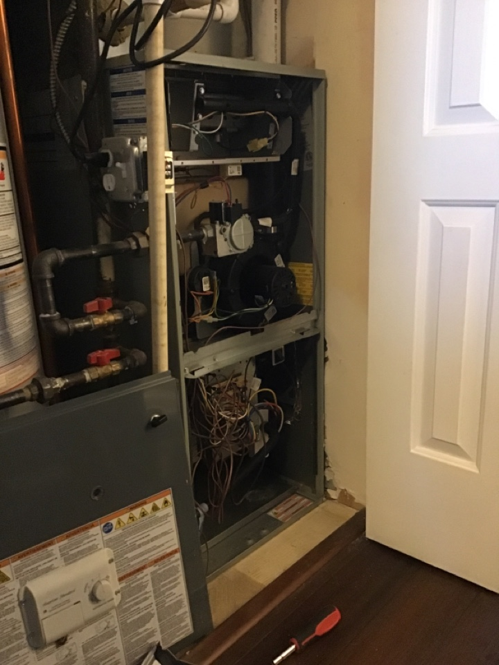 Aurora, IL - Doing a preventative maintenance on a American Standard furnace.