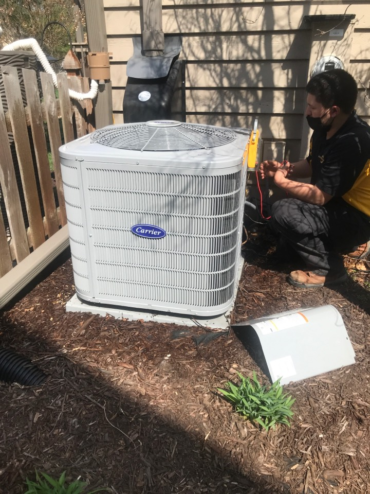 Oswego, IL - Preventative maintenance on Carrier Air conditioning in Oswego Illinois