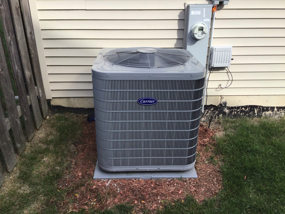 Oswego, IL - Preventative maintenance on a Carrier Air Conditioner