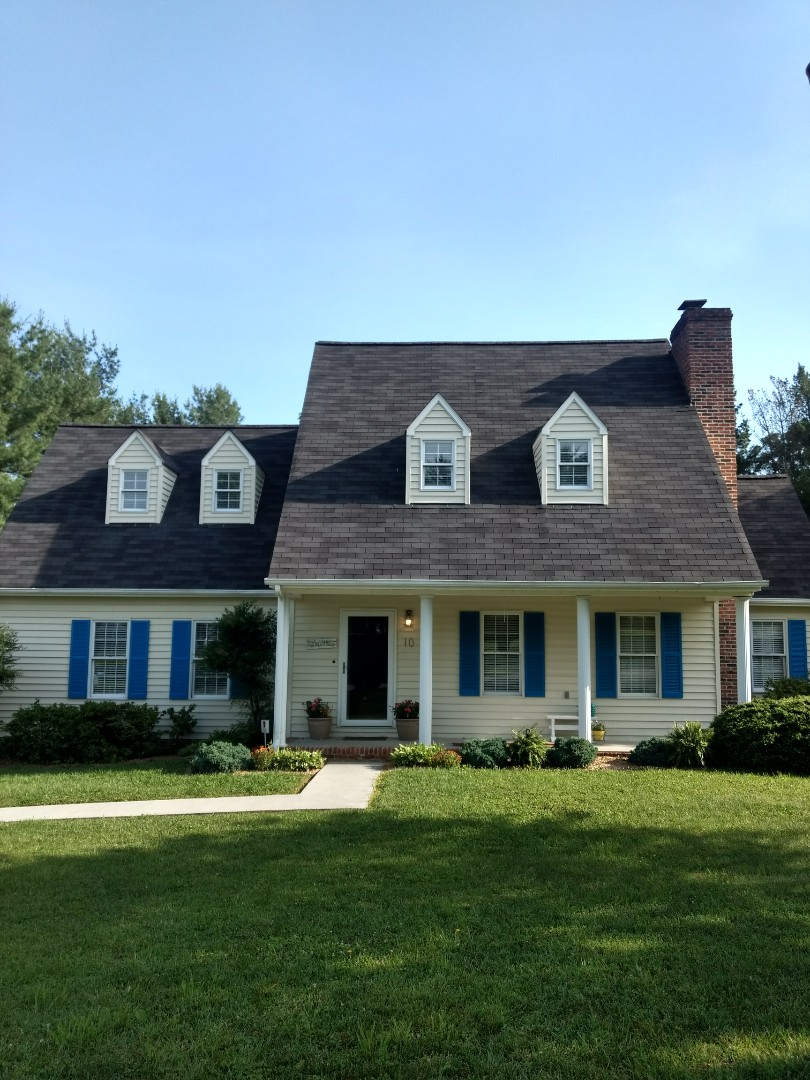 Johnson City, TN - This home is in need of a shingles repair. I am fiving them a free estimate today.