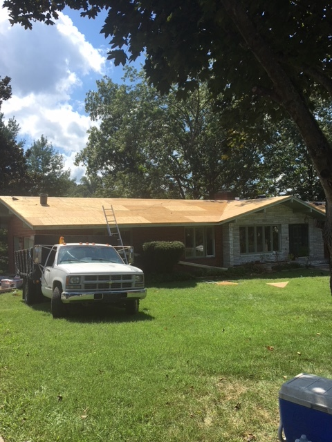 Kingsport, TN - We replaced all of the rotten  sheathing with new OSB on this job before laying the new GAF Timberline HD shingles.