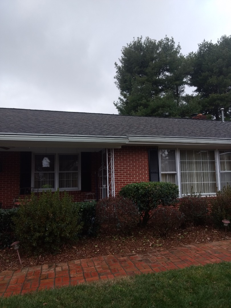 Johnson City, TN - Spotting Roof leak. Repair damaged shingles