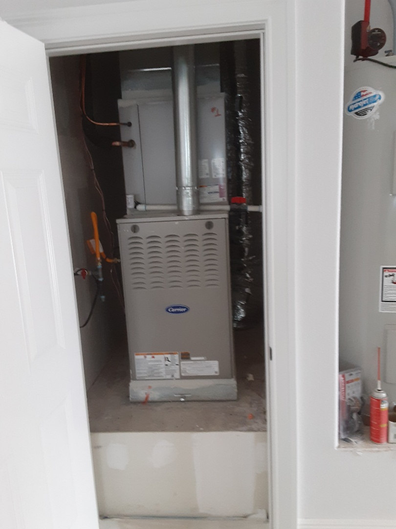 Cedar Hill, TX - New construction install  Carrier gas furnace