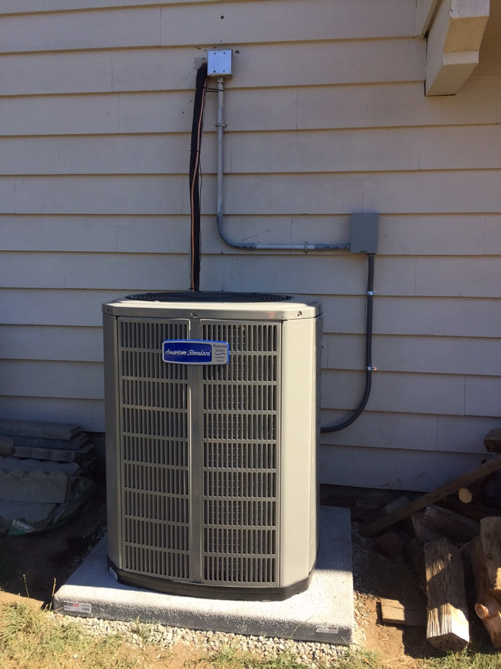 Edmonds, WA - Heat pump installation. Air conditioning AC