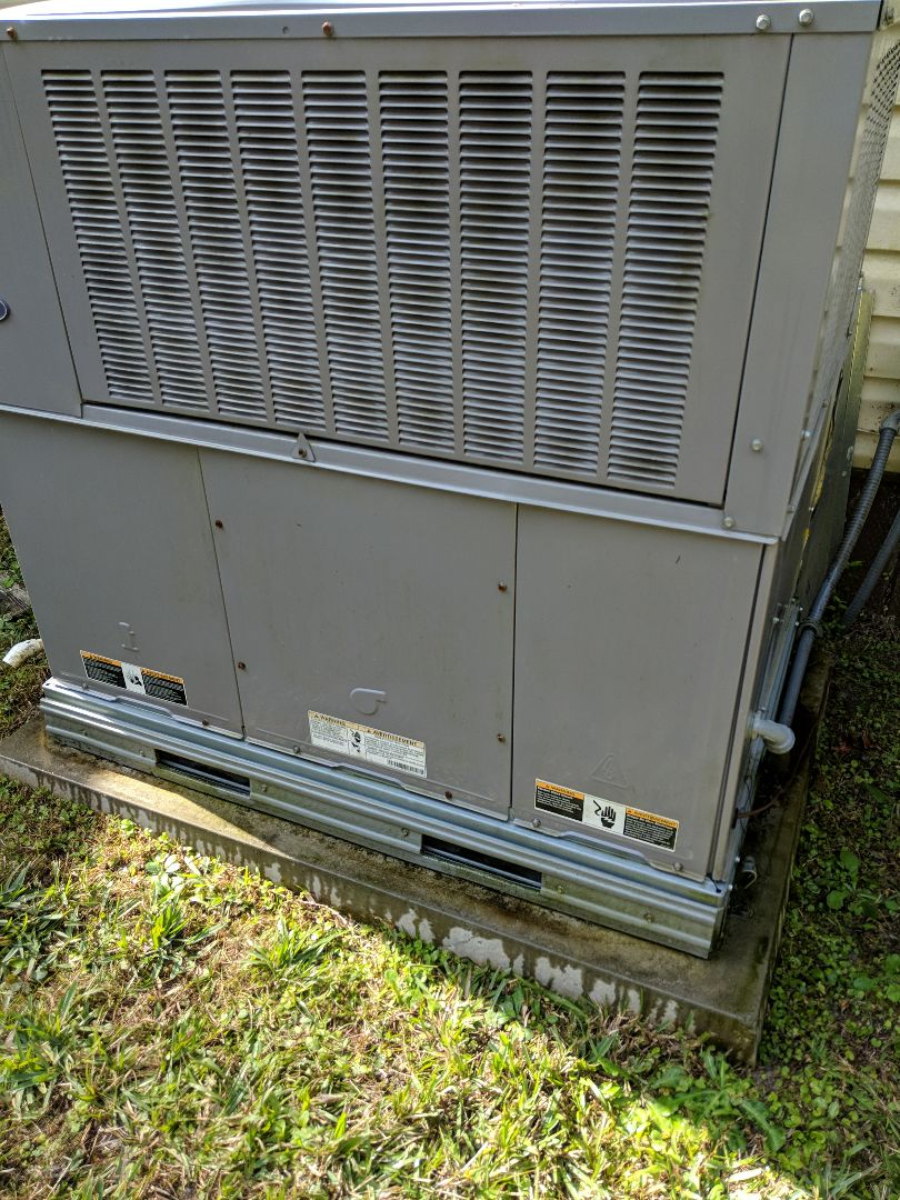 Brooksville, FL - Another tune-up on Carrier package unit with air conditioning and heater in Brooksville