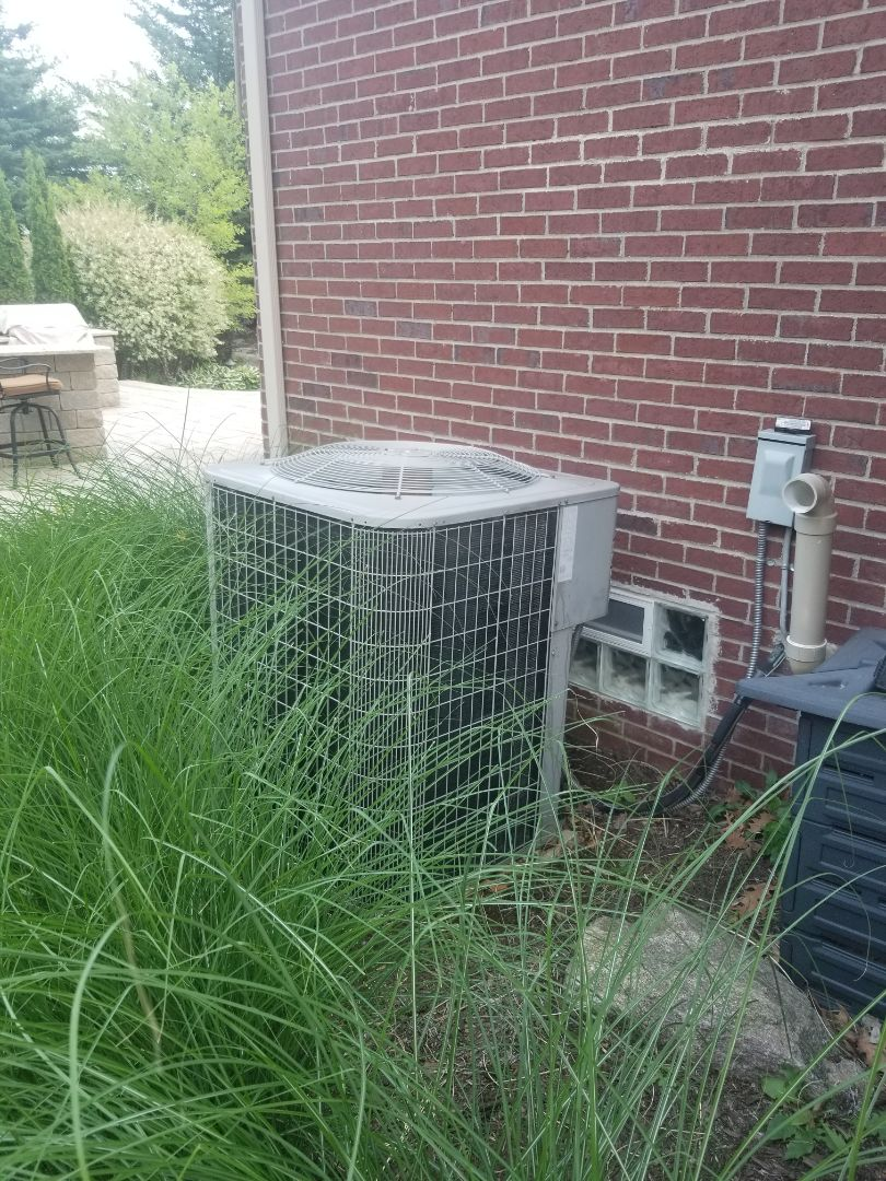 Macomb, MI - Preventative maintenance on Bryant Air Conditioner