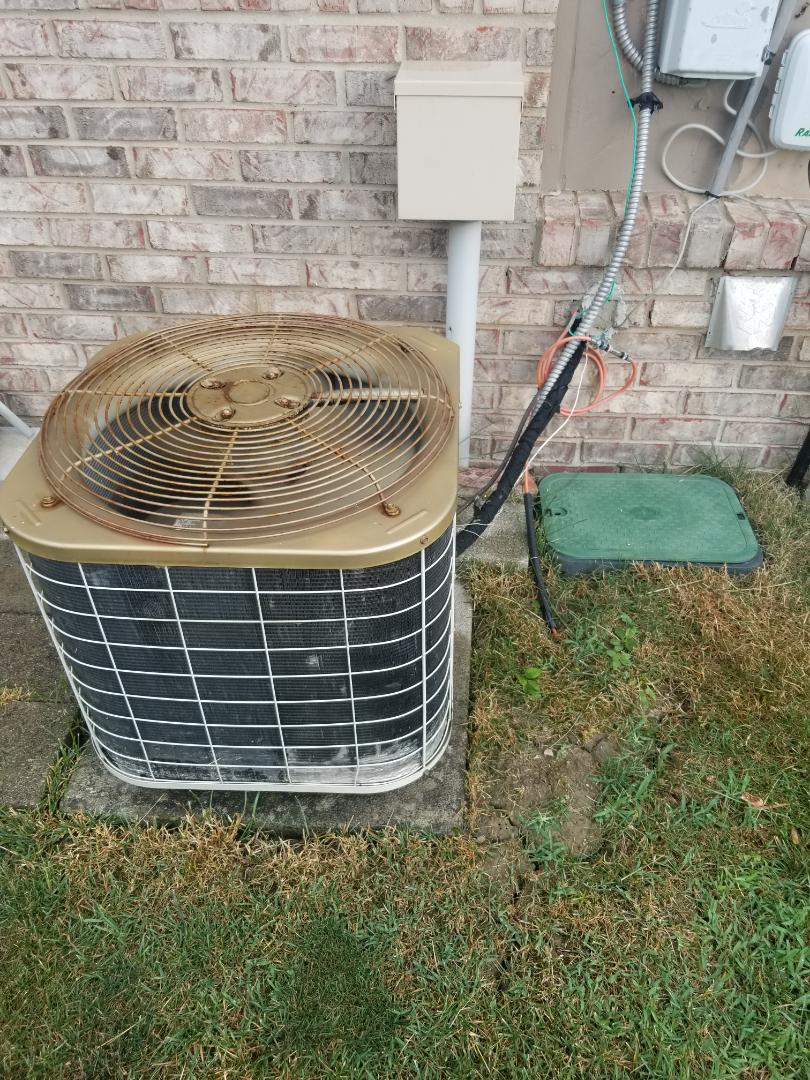 Macomb, MI - Service on air conditioner