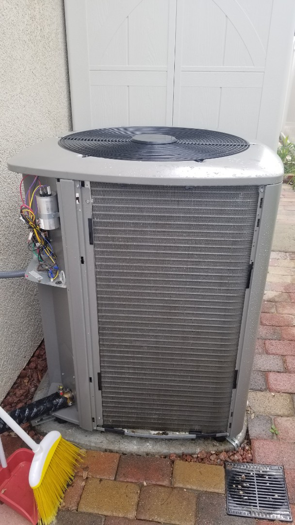 Temecula, CA - Doing a single system Lennox ac tune up out here in Temecula