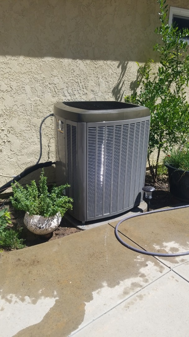 Yorba Linda, CA - Doing a single system Lennox system out here in Yorba Linda