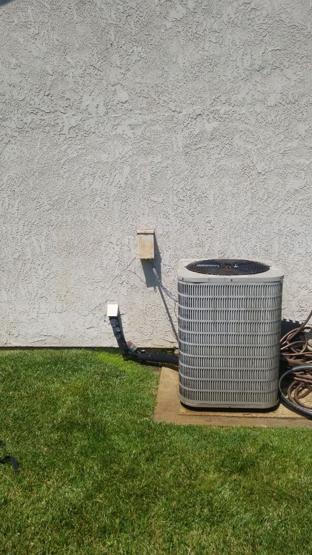 Riverside, CA - Doing a single system air conditioner Maintenance out here in Jurupa Valley