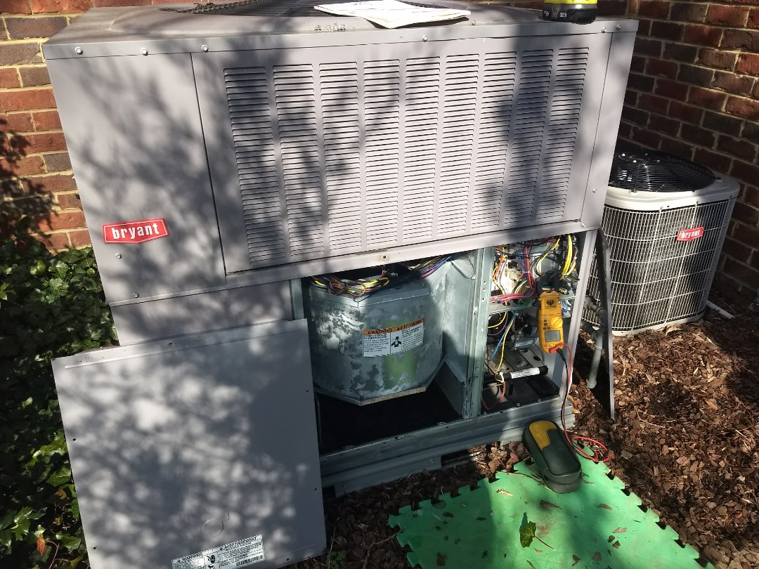 Gallatin, TN - Performed maintenance on a Bryant gas pack. All components are operating properly at this time!
