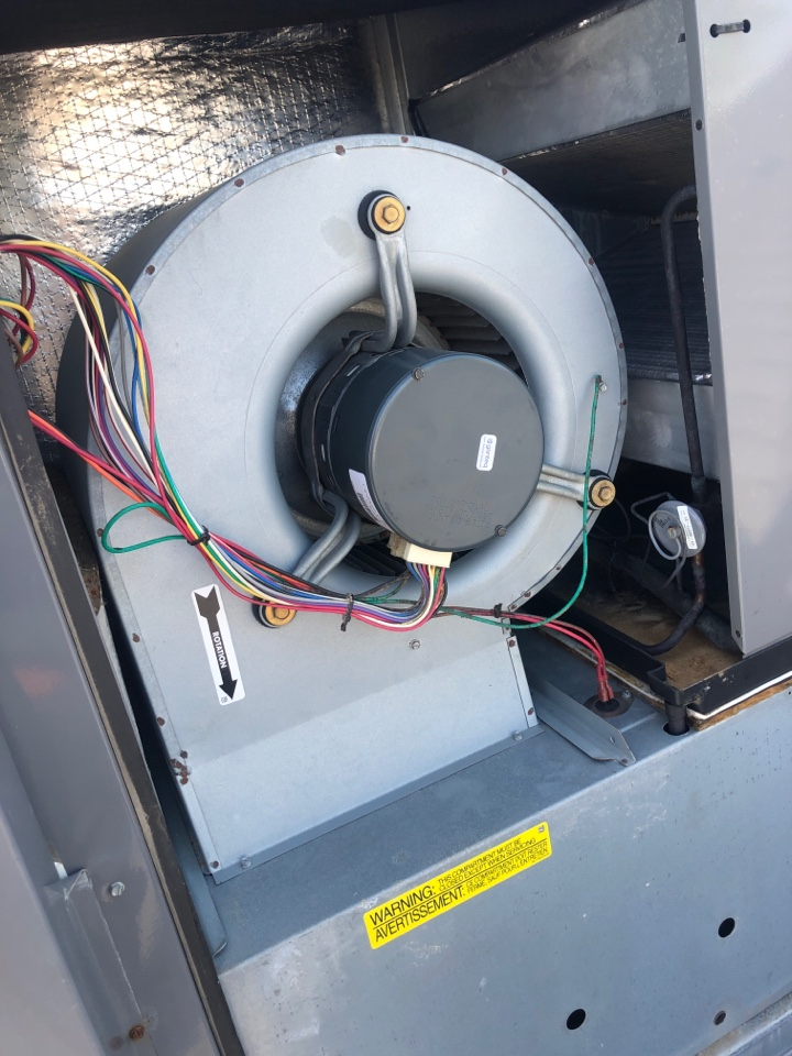 """Hanford, CA - """"On a routine Maintenance"""" inspection of Blower Motor, for bearing play, wiring connections an cleaning an dusting off."""