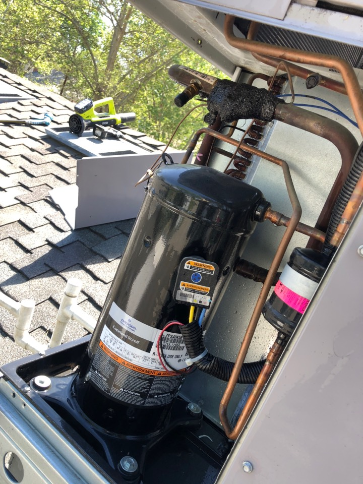 Tulare, CA - During a routine Maintenance Ac , inspection on the compressor compartment....