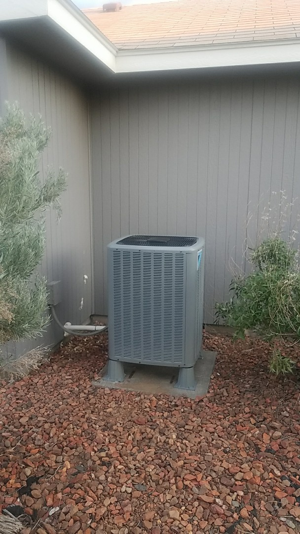 Mattawa, WA - Heat pump