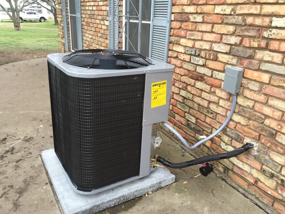 Milford, TX - Installing a 14 seer complete heatpump system